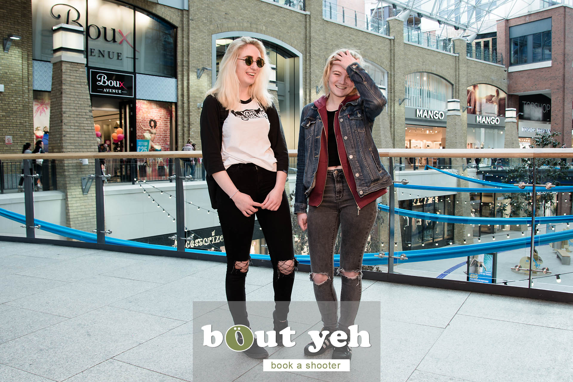 Roxy and Courtney, Victoria Square, Belfast - photo 5443.
