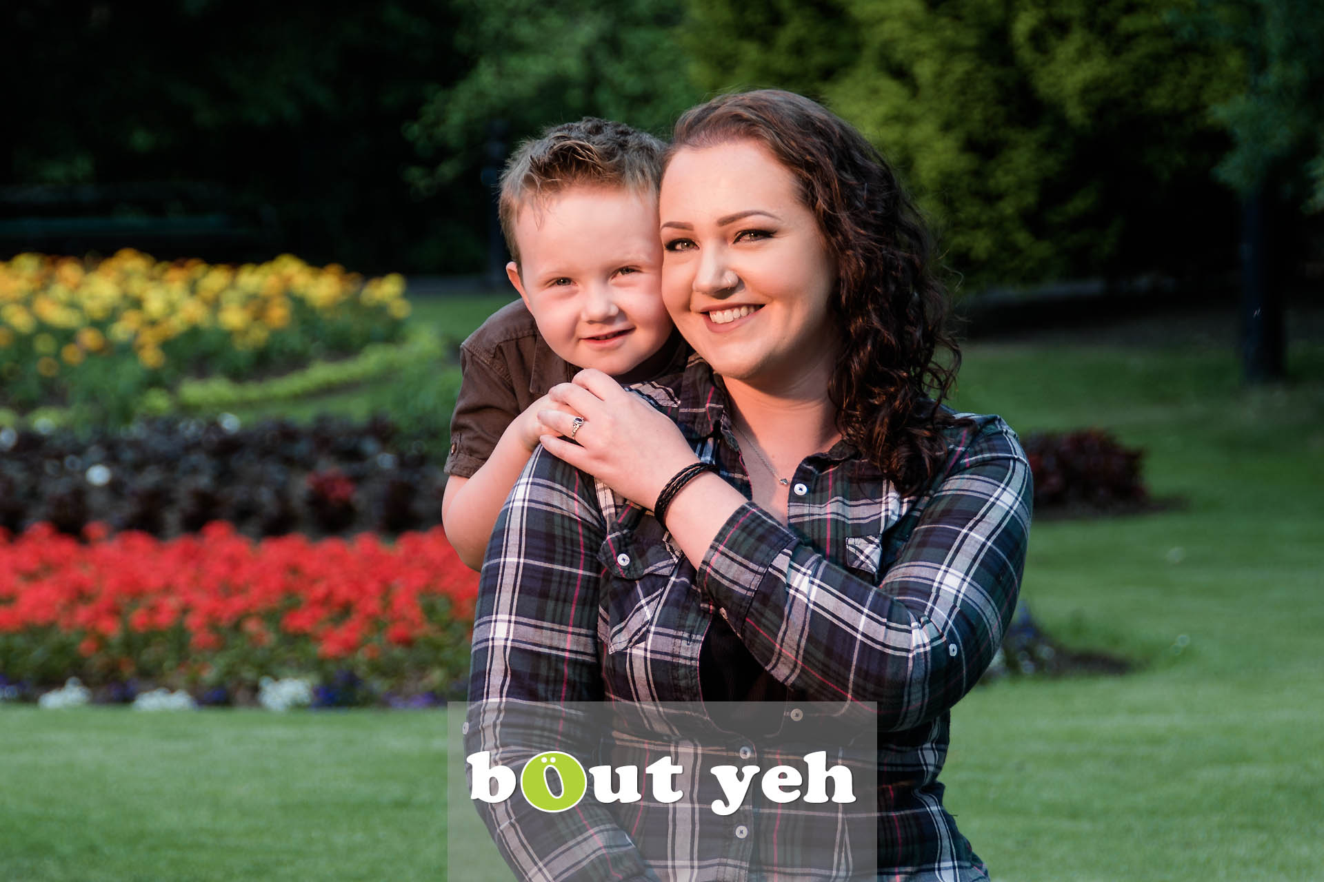 Chanelle and Leo, Botanic Gardens, Belfast, Northern Ireland - photo 7116.